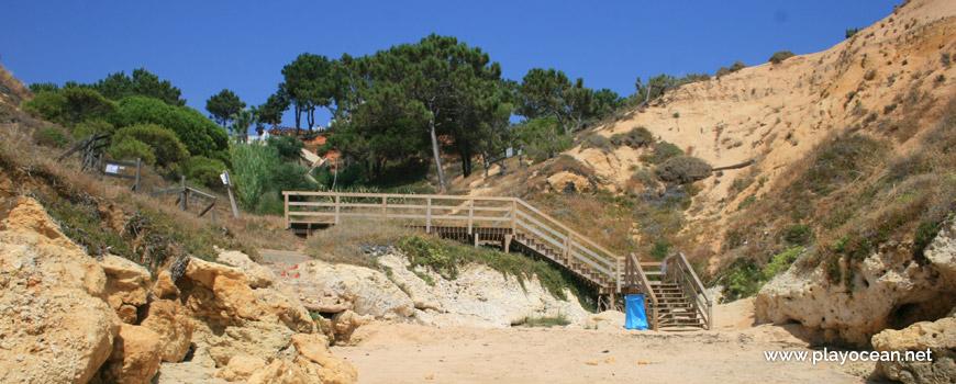 Escadaria, Praia da Baleia (Leste)