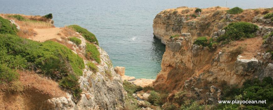 Cliffs at Praia do Ninho de Andorinha Beach