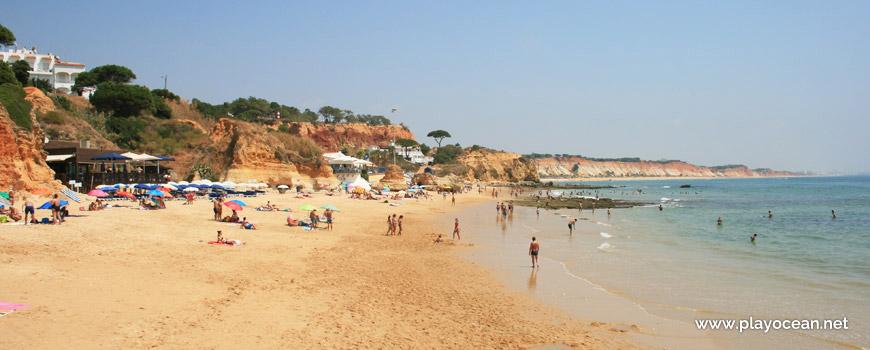 Beira-mar na Praia dos Olhos de Água