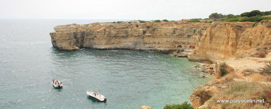 Barcos na Praia da Ponta Grande