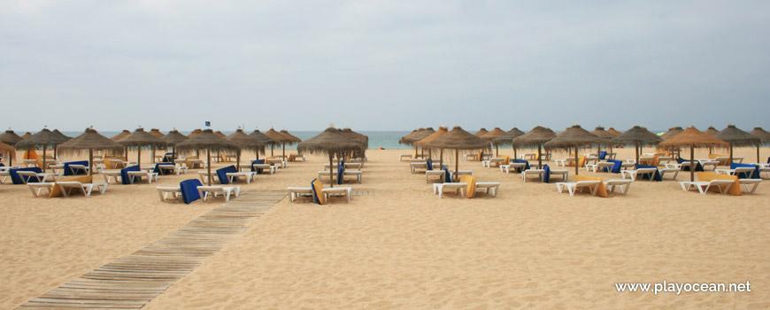 Sunbeds rental at Praia da Rocha Baixinha (East) Beach