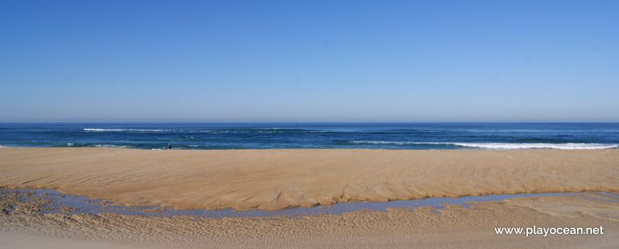 Mar na Praia das Águas Luxuosas