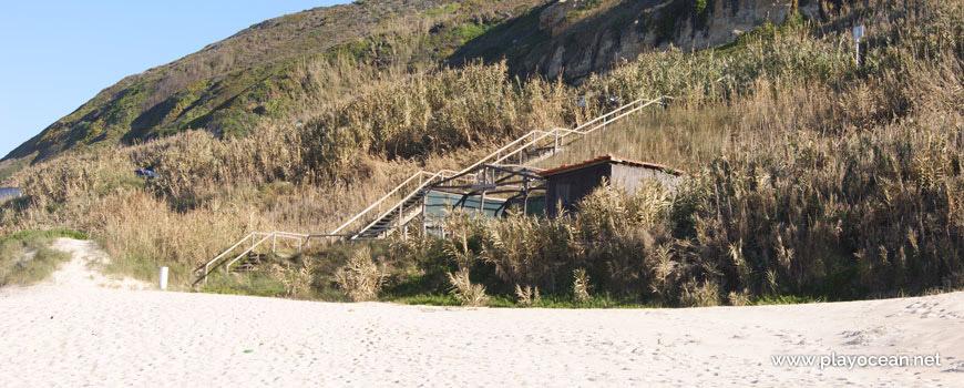 Escadaria na Praia da Légua