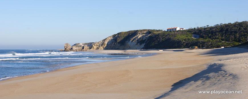 North of Praia de Paredes da Vitória Beach