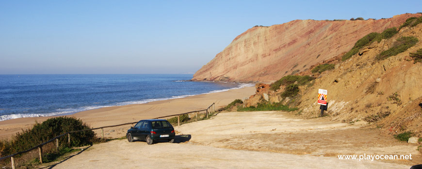 Parking at Praia da Gralha Beach