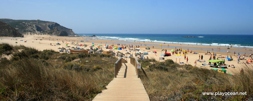Access to Praia do Amado Beach