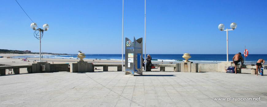 Beach of Vila Praia de Âncora, entrance