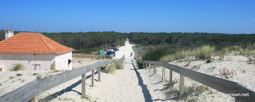 Estacionamento na Praia do Palheirão