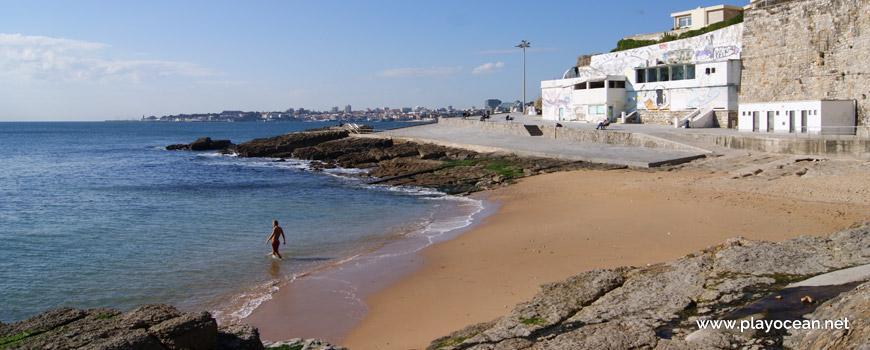 Oeste na Praia da Azarujinha