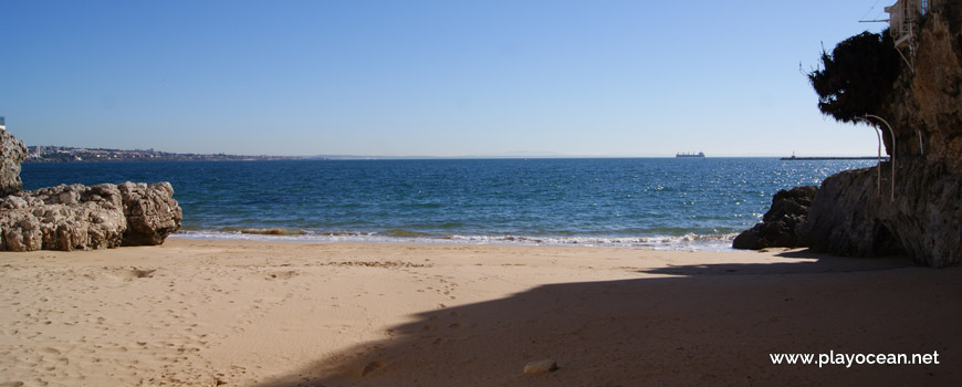 Mar na Praia da Rainha