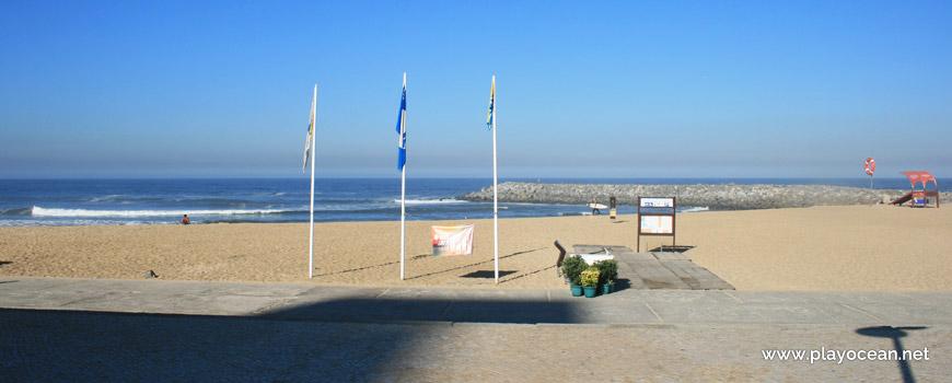 Estandartes, Praia da Baía