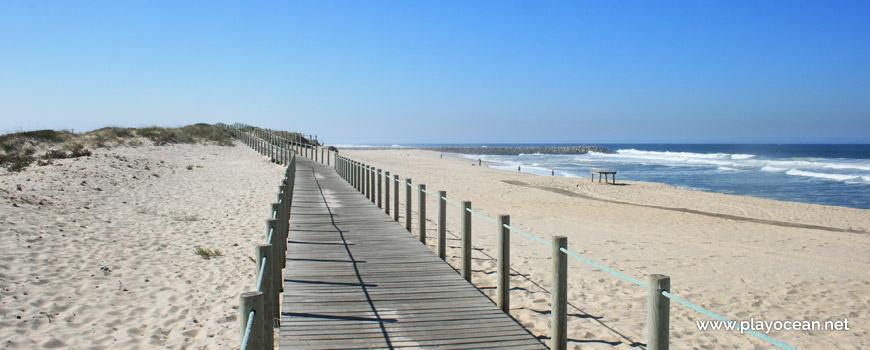 Walkway at Praia de Paramos Beach