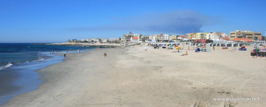 North of Praia de Apúlia Beach