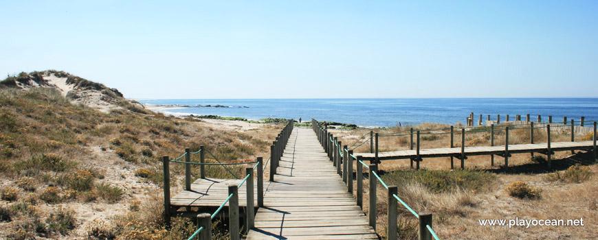 Passadiços na Praia de Barrelas