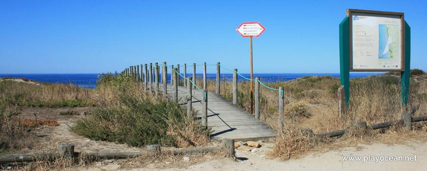 Access to Praia de Belinho Beach