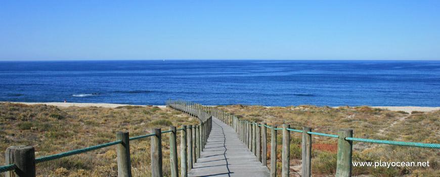 Passadiço na Praia de Belinho