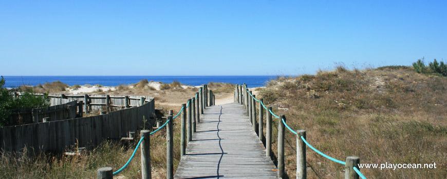 Access to Praia de Marinhas Beach