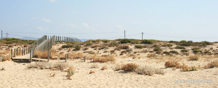 Access to Praia de Faro (East) Beach