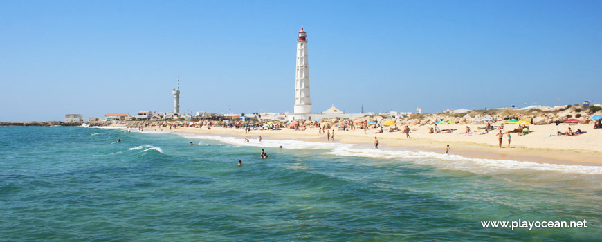 Praia da Ilha do Farol (Sea) Beach, near the lighthouse