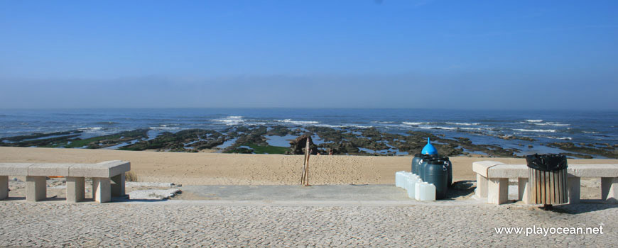 Entrada da Praia do Cabo Mondego