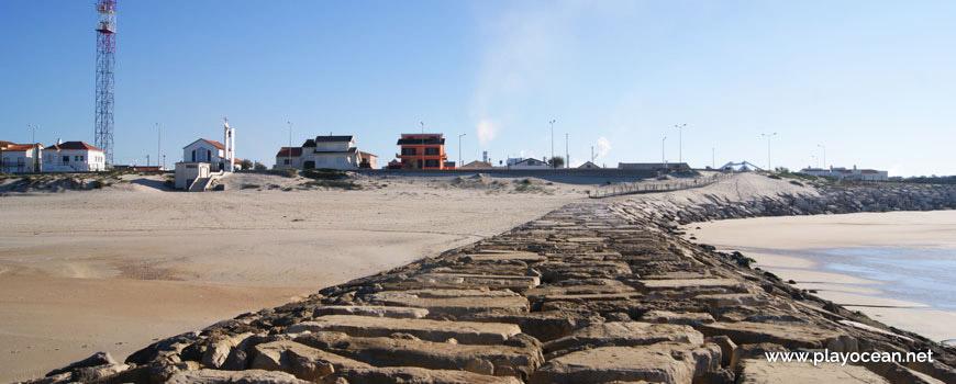 Casas junto à Praia da Leirosa