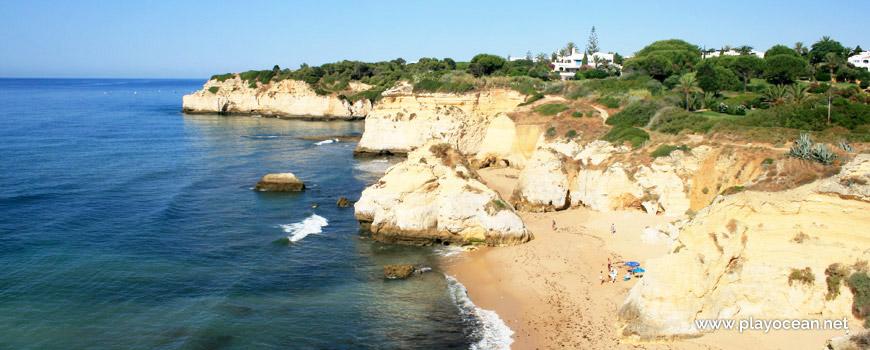 Oeste na Praia dos Beijinhos