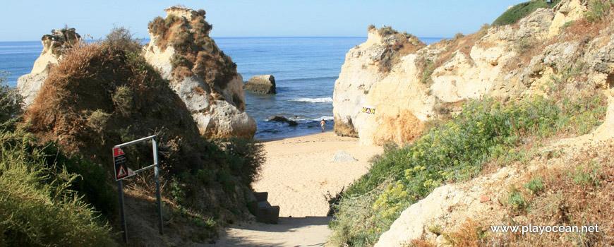 Descent to Praia dos Beijinhos Beach