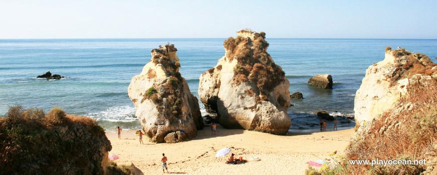 Penedo na Praia dos Beijinhos
