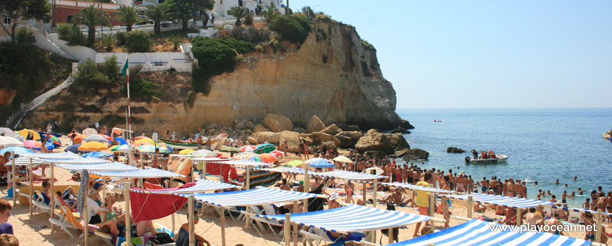 Awnings rental at Praia de Carvoeiro Beach