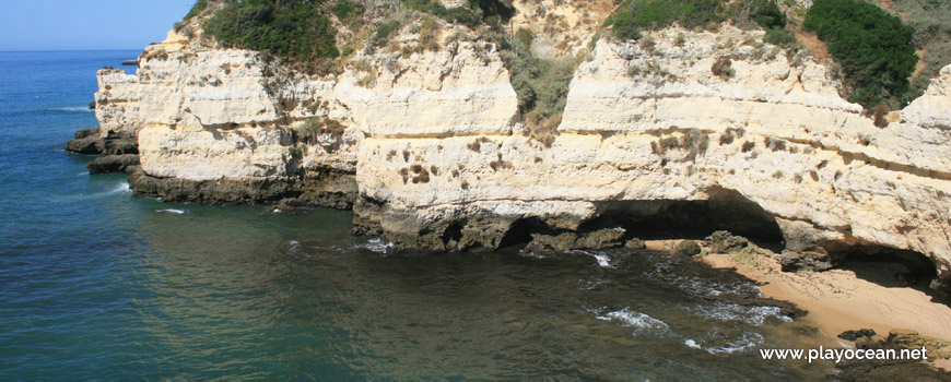 Cliff, Praia dos Cavalos Beach