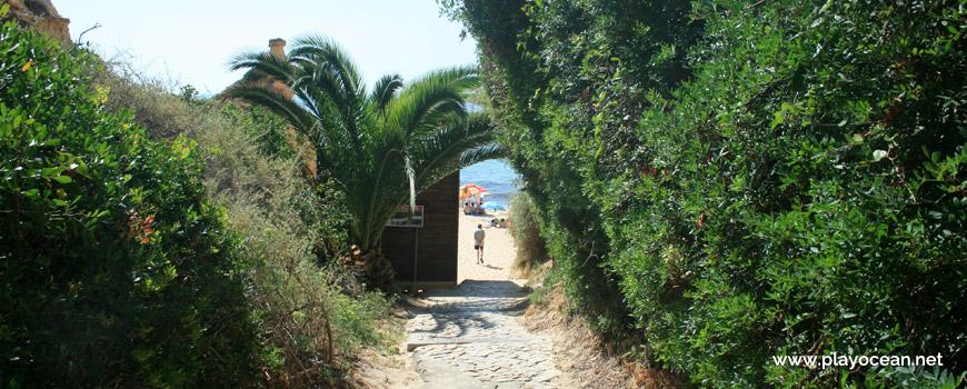 Entrance, Praia da Cova Redonda Beach