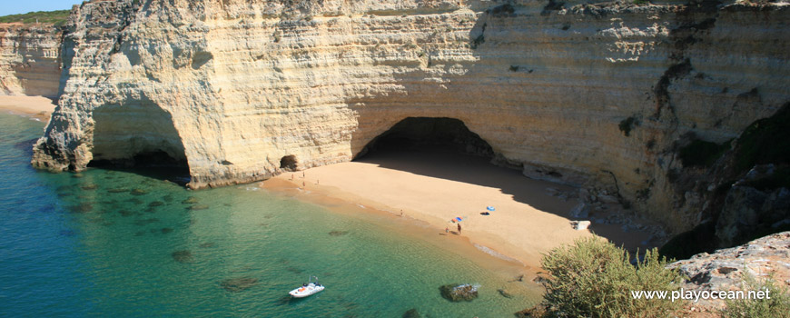 Caves, Praia do Mato Beach