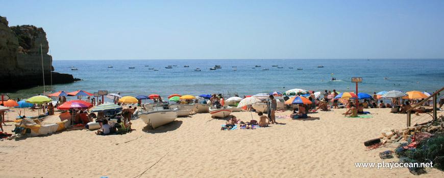 Barcos na Praia da Senhora da Rocha