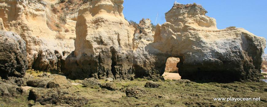 Falésia na Praia do Vale do Olival