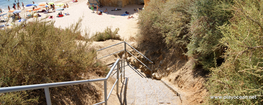 Access to Praia da Batata Beach