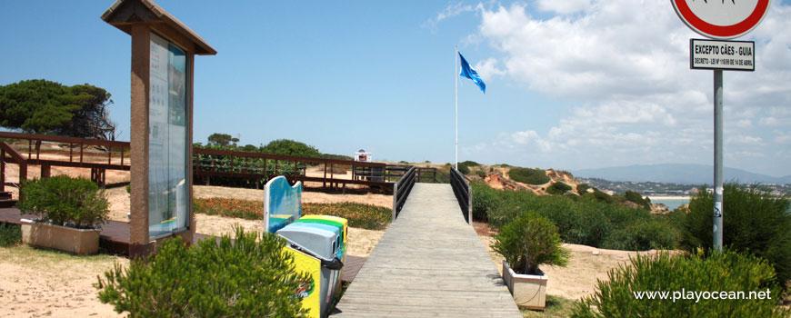 Access to Praia da Boneca Beach