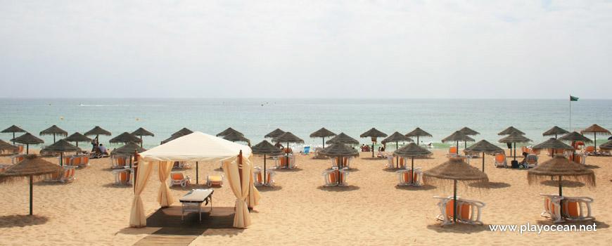 Aluguer de camas na Praia do Garrão (Poente)