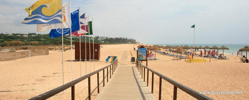 Entrada da Praia de Loulé Velho