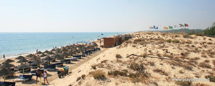 West at Praia da Quinta do Lago Beach