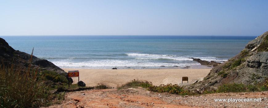 Entrada na Praia do Caniçal