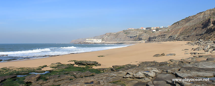 Praia do Porto das Barcas Beach