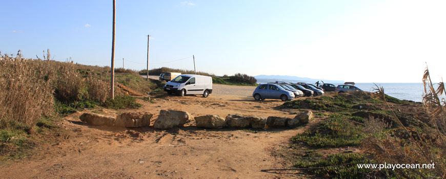 Parking at Praia da Orelheira Beach