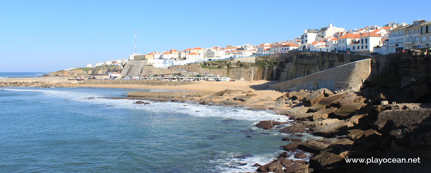 Praia dos Pescadores Beach viewed from the rocks
