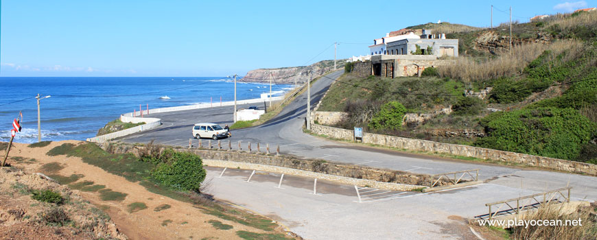 Estacionamento na Praia de Porto Barril