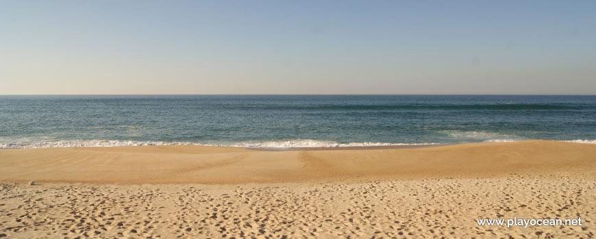 Mar na Praia das Pedras Negras