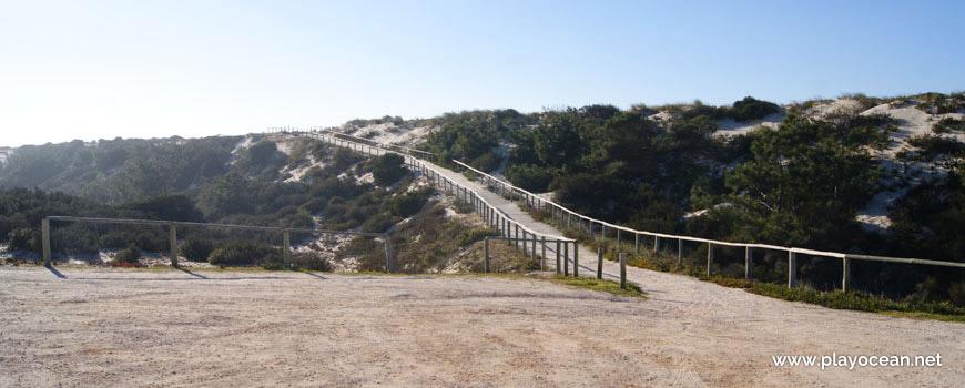 Access to Praia do Samouco Beach