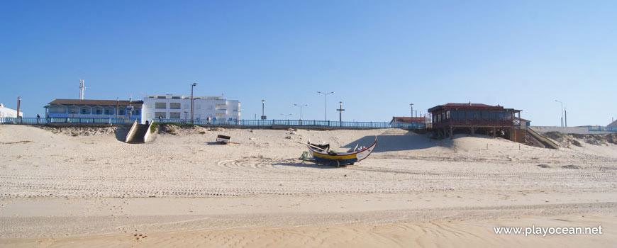 Barco na Praia da Vieira