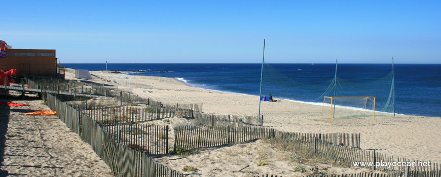Fences at Praia de Angeiras (North) Beach