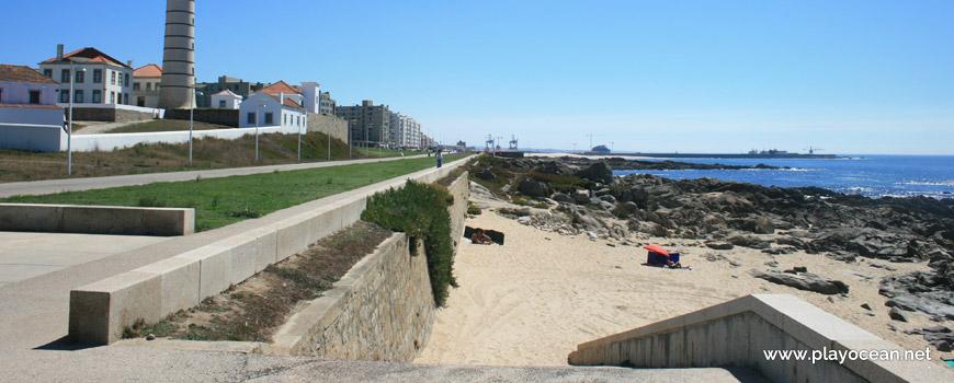 Access to Praia da Boa Nova Beach