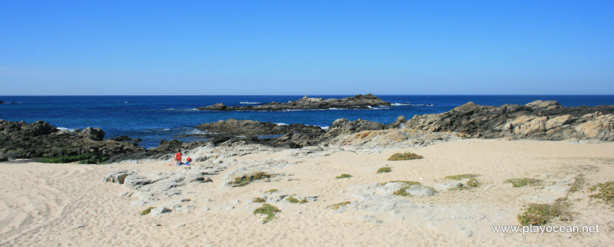 Sea with rocks, Praia do Marreco Beach